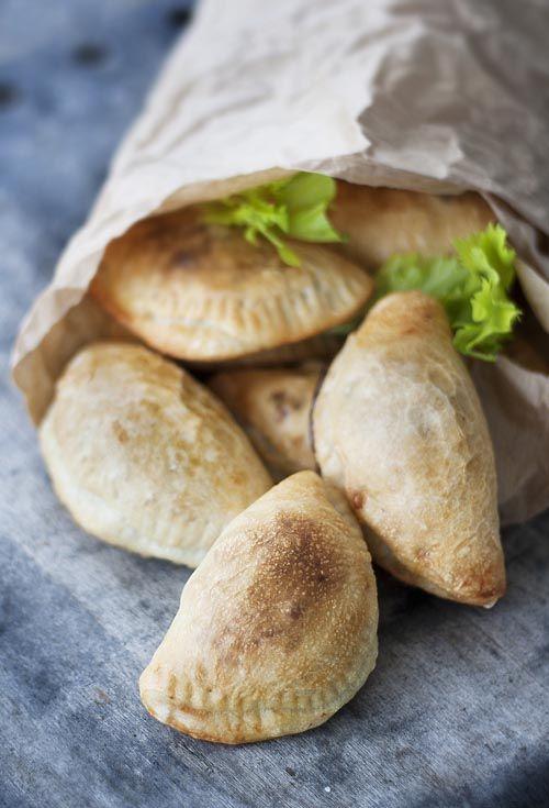 Рецепт вегетарианских пирожков с нутом и свеклой