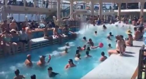 Clima: #Onda #anomala nella #piscina della nave da crociera (link: http://ift.tt/2dnAo0V )