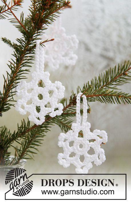 "DROPS Christmas snow stars in ""Cotton Viscose"". ~ DROPS Design, thanks so xox ☆ ★   https://www.pinterest.com/peacefuldoves/"