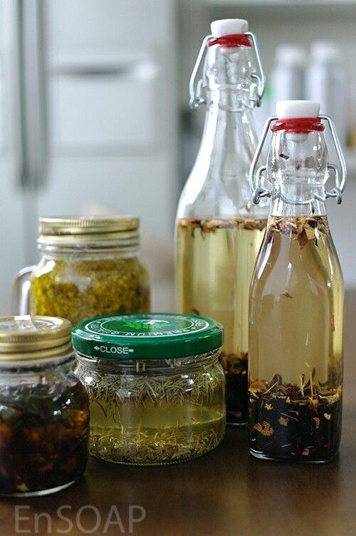 [Infusing oil] rosemary, rose, helichrysum, ...