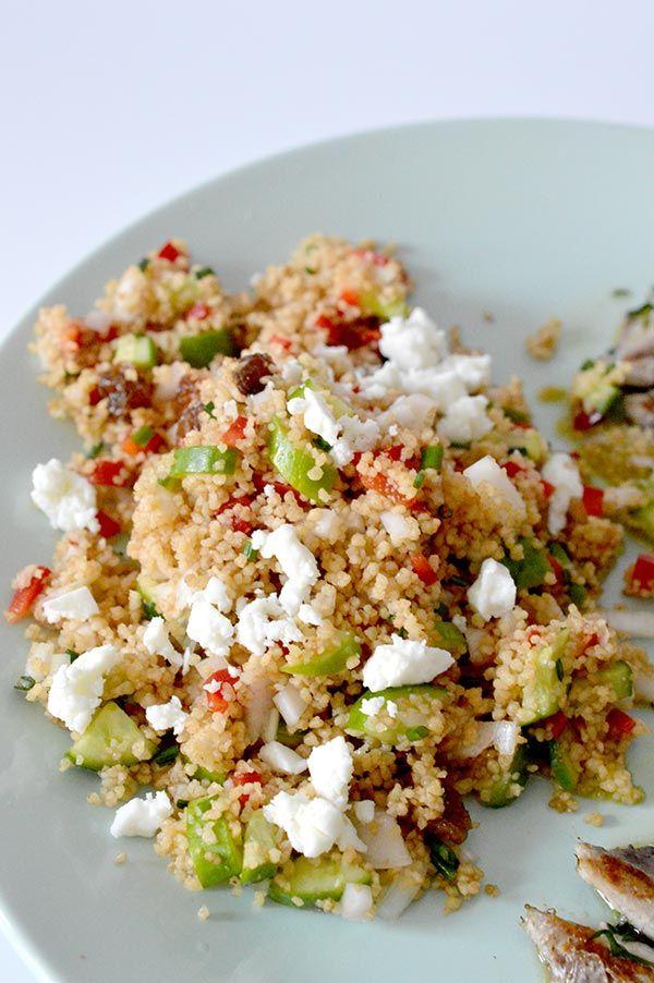 El cuscús es perfecto para los días de calor, ya que puedes preparar una ensalada perfecta en muy poco tiempo!