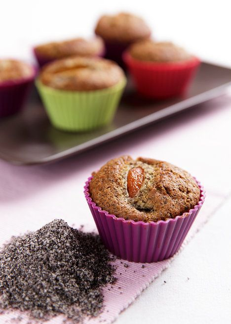 Makové muffiny s meruňkami.  Nezapomínejte při pečení na mák! Je lahodný, nezatíží váš rozpočet a s meruňkami chutná špičkově; Mona Martinů