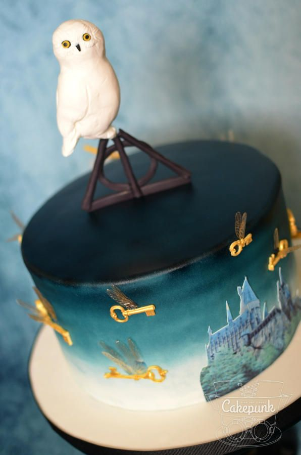 Hogwarts Challenge 50th Birthday Cake 2 by Heather