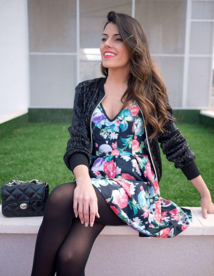 #fetishpantyhose #pantyhosefetish #legs #heels #blogger #stiletto #pantyhose #collant #black #crossedlegs