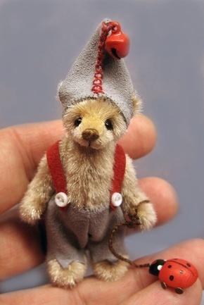Inge Bears - Delia-Dean -- she makes the most beautiful little bears!!