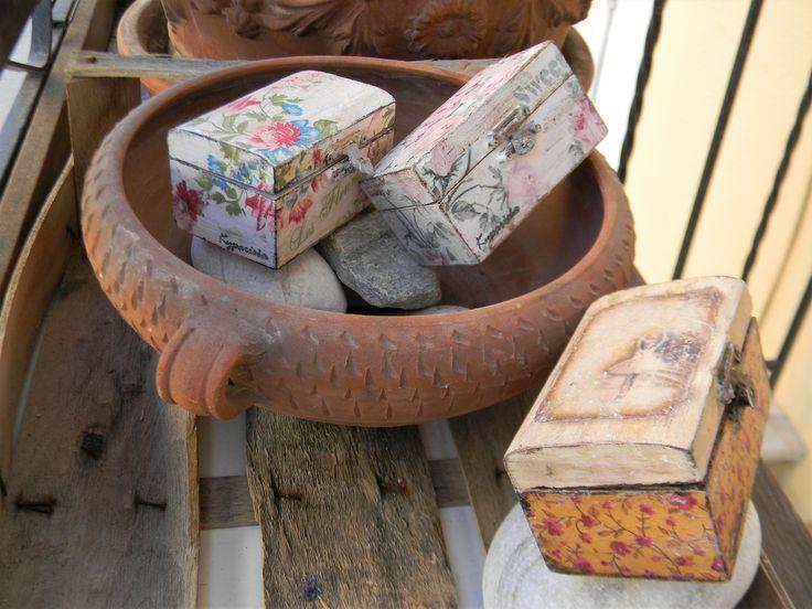 Ρομαντικά ξύλινα κουτάκια με παλαίωση