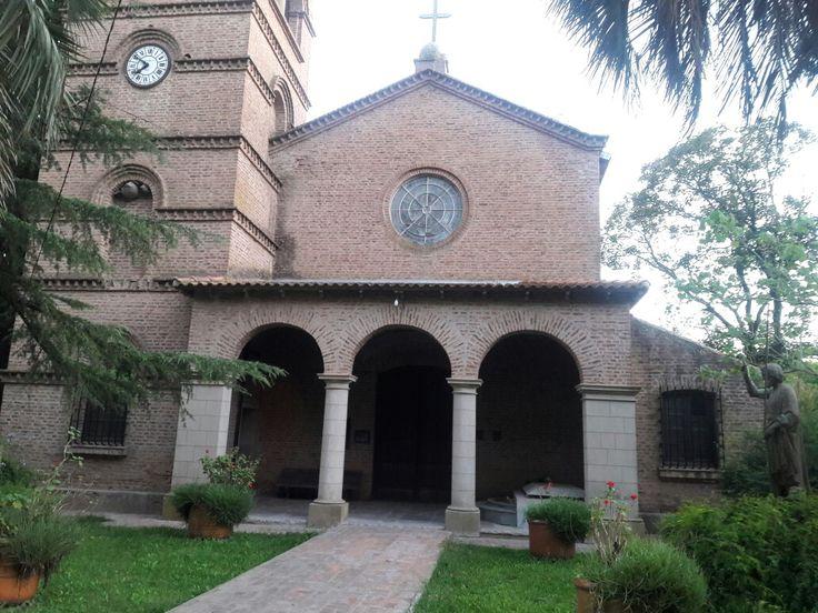 Parroquia La Sagrada Familia. Antonio Carboni.