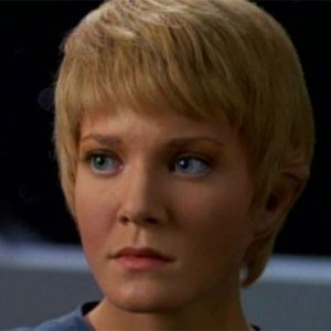 'Star Trek: Voyager' Actress Jennifer Lien Arrested for Allegedly Exposing Herself to Children