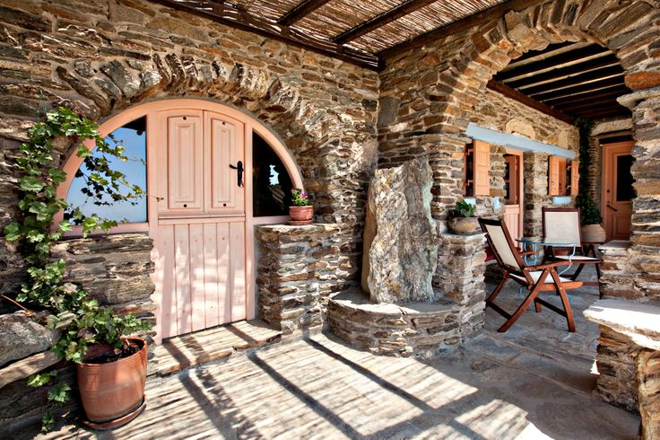 The peach house is a #vacation villa in Tinos with traditional island style http://www.tinos-habitart.gr/peach-house.php