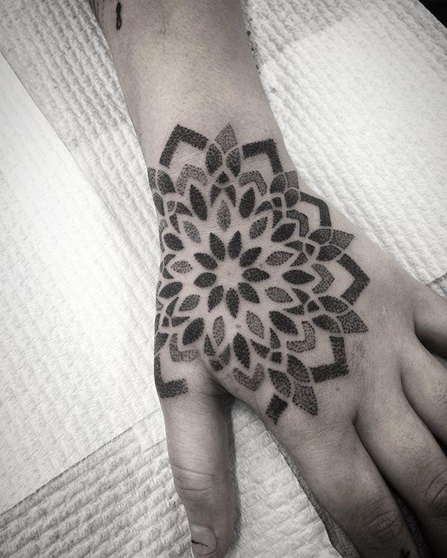 WEBSTA @ aaron.j.tattoos - Thanks Renee 😊✌🏼️ Part of a pair thanks for looking! 📧 aaronjtattoos@gmail.com #mandala #mandalas #mandalaart #dotwork #blackwork #linework #pattern #tattoo #tattooart #perth #foothillstattoobyford #darkartists #blackworkerssubmission #btattooing #blacktattooart #girlswithtattoos #stippling #tattoos #henna #sacredgeometry #equilattera #onlyblackart #blxckmandalas #txttoo #tattoodo