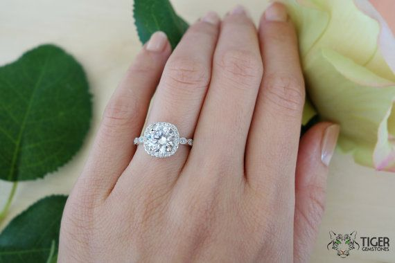 2.25 Carat Vintage Inspired  Halo Engagement par TigerGemstones