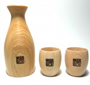 Japanese ceder sake set. Set of three, tokkuri and 2 o-choko. Enjoy your Sake with the soothing aroma of cedar