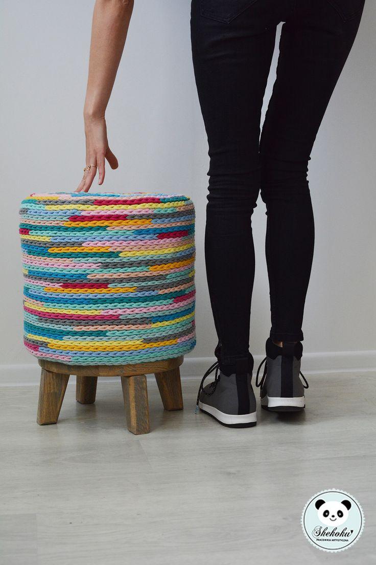 pufa wykonana na szydełku. Pracownia Projektowa Shekoku Sabina Hengier /szydełkowanie, crocheting/