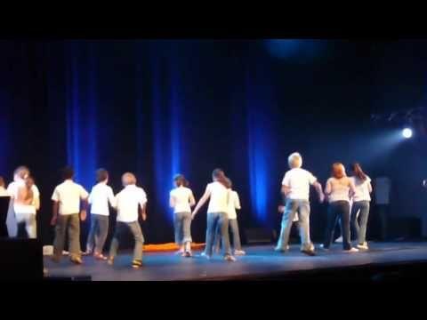 29 JUIN 2011 - Percussions corporelles des élèves de Leuhan