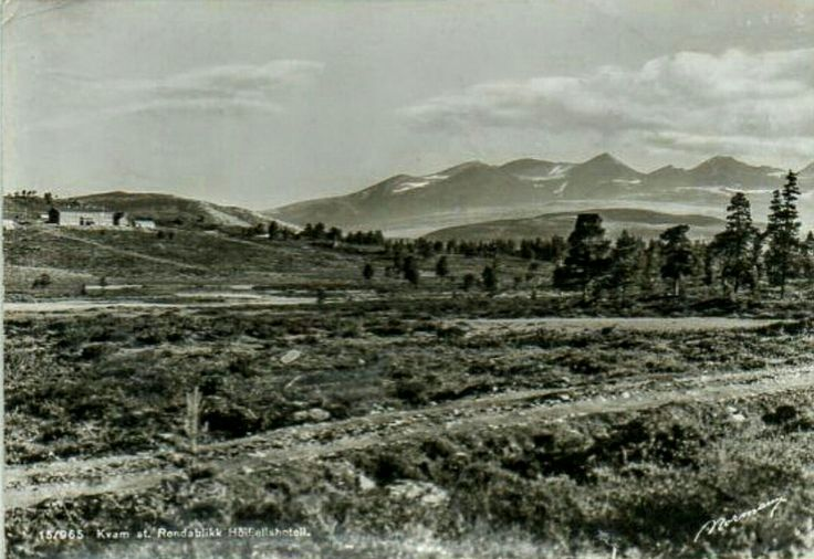 Oppland fylke Nord-Fron kommune i Gudbrandsdalen  Rondablikk Høyfjellshotell Kvam st. 1950-tallet utg Normann