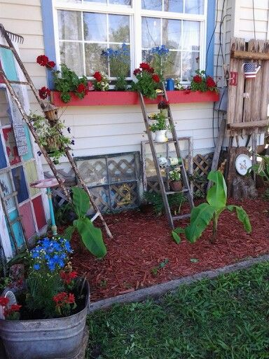 Country yard decor in a garden 2 pinterest yards for Front yard decorating ideas