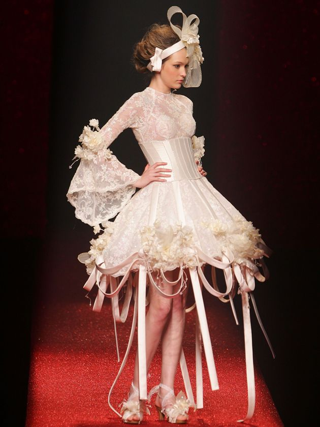 wacky wedding dresses | It's Wedding Season! Time for the 15 Craziest Wedding Dresses of All ...
