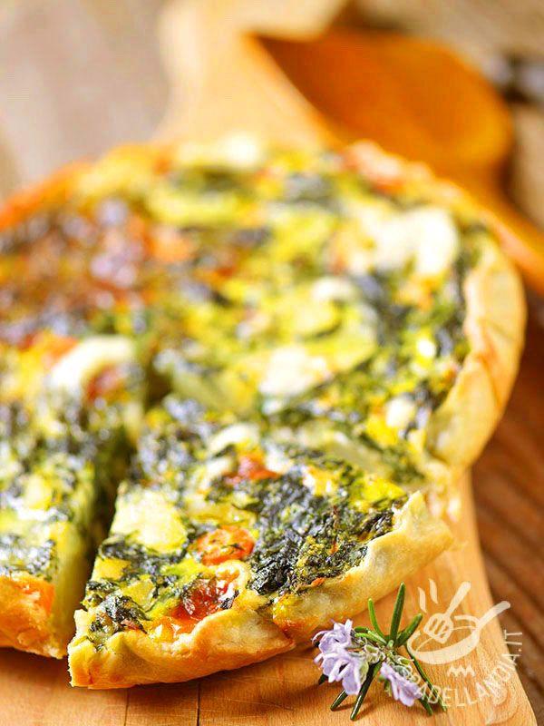 Frittata in pastry with vegetables - La Frittata in sfoglia milleverdure: un piatto fantasioso che porta in tavola una ricca varietà di verdure, uova e pasta sfoglia. #frittatadiverdure