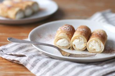 Recipes Puglia | recipe list ingredients and preparation   Carnival crepes rolls by Puglia (Apostles fingers)