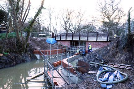 The wing walls on the N.E. side of Compasses Bridge near completion. Photographed in January 2017