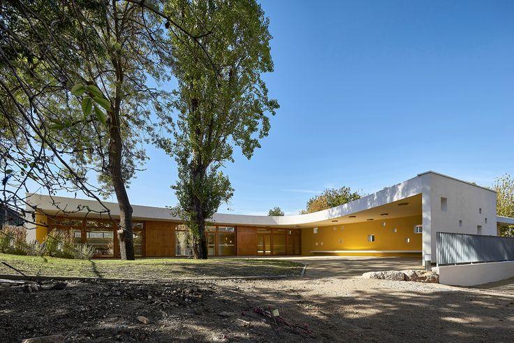 La Casa de la Infancia  Es parte del proyecto de renovación del parque de la granja Giaume en Cannes-la-Bocca.