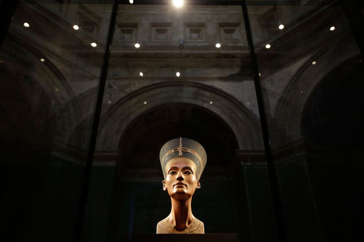 Could Queen Nefertiti's Tomb Reveal Secrets From Egypt's Shadowy Past?