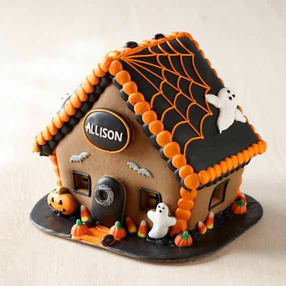 Halloween Gingerbread House; again, I would only make this out of fabric... so cute though!