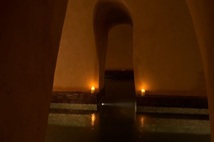 Η παλιά δεξαμενή του Ιμαρέτ που μετατράπηκε σε εσωτερική Κιστέρνα. Έχει βάθος 1,05 και τα νερά της οξυγονώνονται ενώ η θερμοκρασία της βρίσκεται στους 28 με 30 βαθμούς Κελσίου.  The old water tank of Imaret which was converted into an indoor Cistern. It is 1m05 deep and it's water is oxygenated while it's temperature may vary from 28 to 30 degrees Celsius.