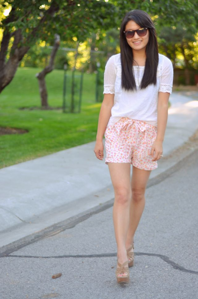 DIY Floral Pleated Shorts with a Bow - FREE Sewing Pattern and Tutorial
