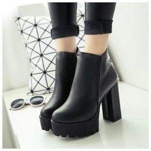 Platform Block Heel Zip-up Ankle Boots
