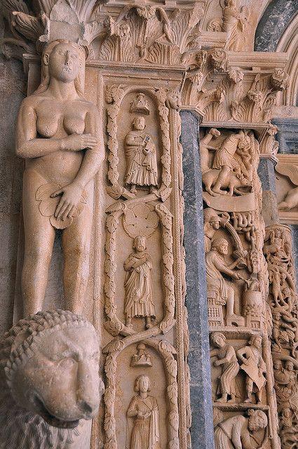 Portal of city Catedral 13. c, master Radovan, Trogir, http://smart-travel.hr/en/