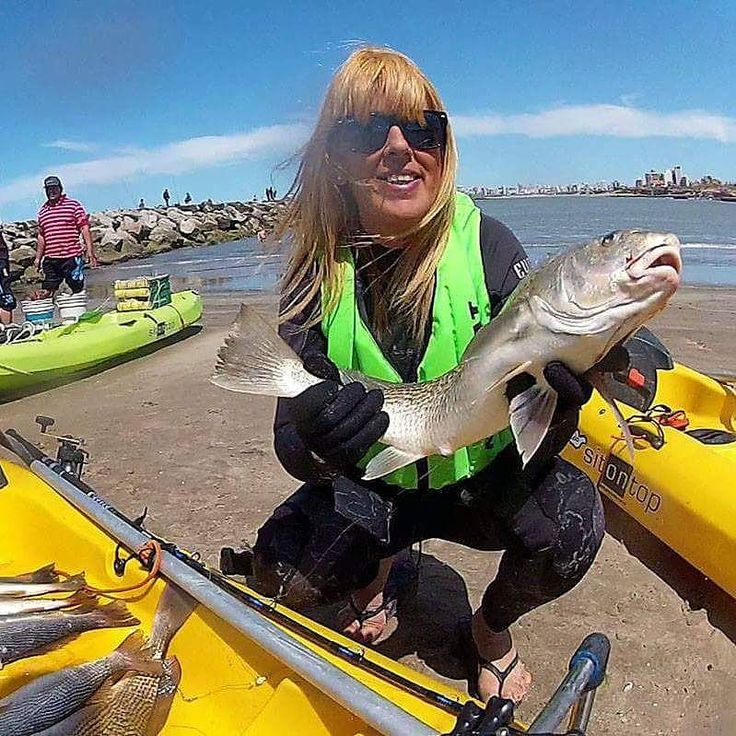 2.500 m FROM THE COAST OF THE BRACH... GOOD FISHING!  Mar del Plata Argentina South Atlantic Ocean. #womanfishing #womananglers #womenfishtoo #womenfishers #europe #mardelplataarg #girlfishing #girlsfishingcrew #girlsfishtoo #girlsfish #pescadeportiva #pesca #fisker #fishingboat #fischenimallgäu #fischen #kajakfiske #kayakfishingphotos #kayakfisher #kayakfishing #australiakayakingadventures #australiakay #nzkayaking #nzkayak #nzfishing #pescaesportiva #outdoorliving #outdoorlife…