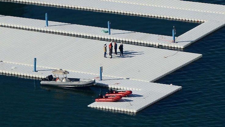 """Prendono forma i pontili galleggianti, """"The Floating Piers"""", dell'artista Christo sul lago d'Iseo che permetterà di """"camminare"""