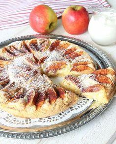 Godaste och snabbaste äppelkakan med mjuksega kanter | Lindas bakskola