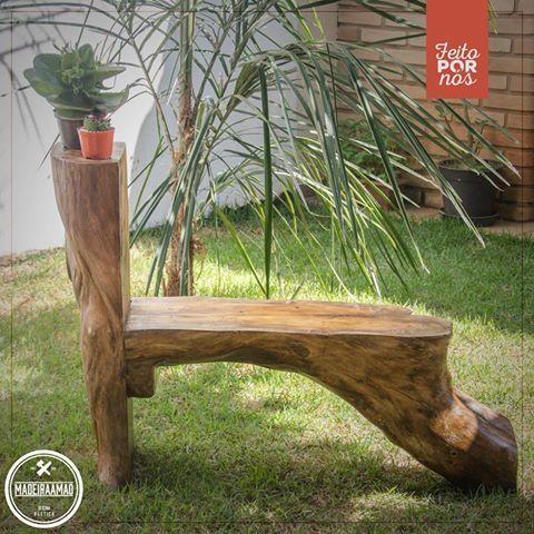 BANCO EXCLUSIVO | Peça única  • Feita com tronco de árvore • 100% de reaproveitamento • 70 centímetros de altura total (35 centímetros o banco) • 80 centímetros comprimento                                                                                                                                                                                 Mais