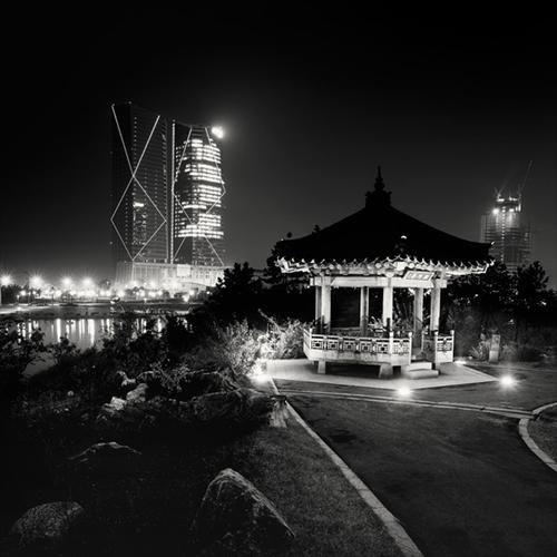 Beautiful Black&White Images Of South Korea