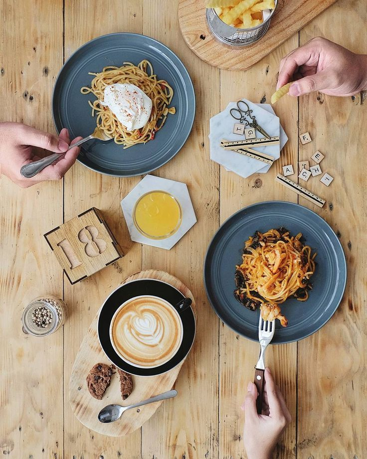 Get ready for the new @118coffee! They are reborn with the new bright ambiance & menus. Must try their exceptional spaghetti: Aglio Olio & Al Profumo. And don't forget your daily caffeine dose here..   #inijiegram #food #TableToTable #kuliner #culinary #coffee #HobiKopi #handsinframe #manmakecoffee