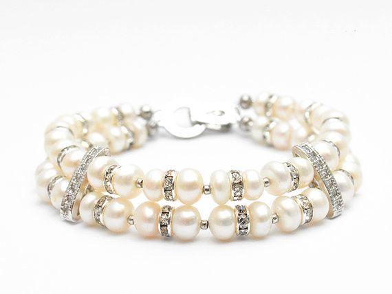 Pearls handmade bracelet by MissBijouxBoutique on Etsy