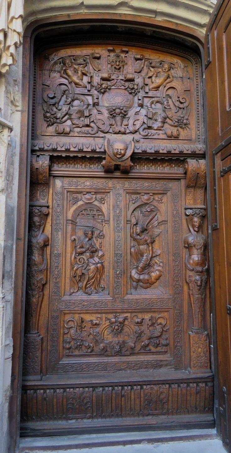 Eglise Saint Pierre, Avignon, France