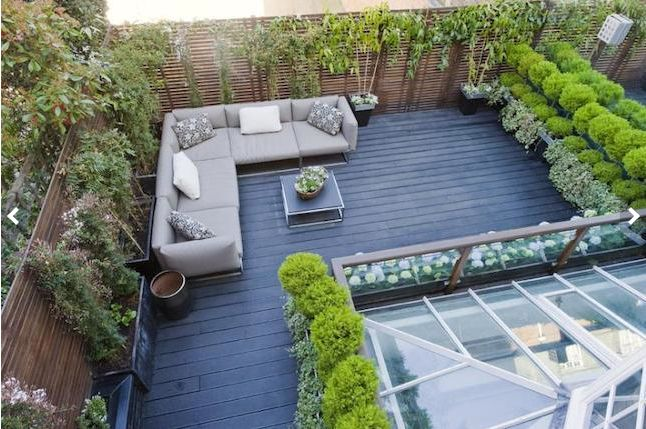 Roof garden.  There appears to be a mirror on the right #uhome
