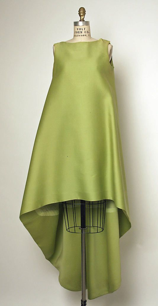 Evening dress House of Balenciaga  (French, founded 1937)  Designer:     Cristobal Balenciaga (Spanish, 1895–1972) Date:     1967