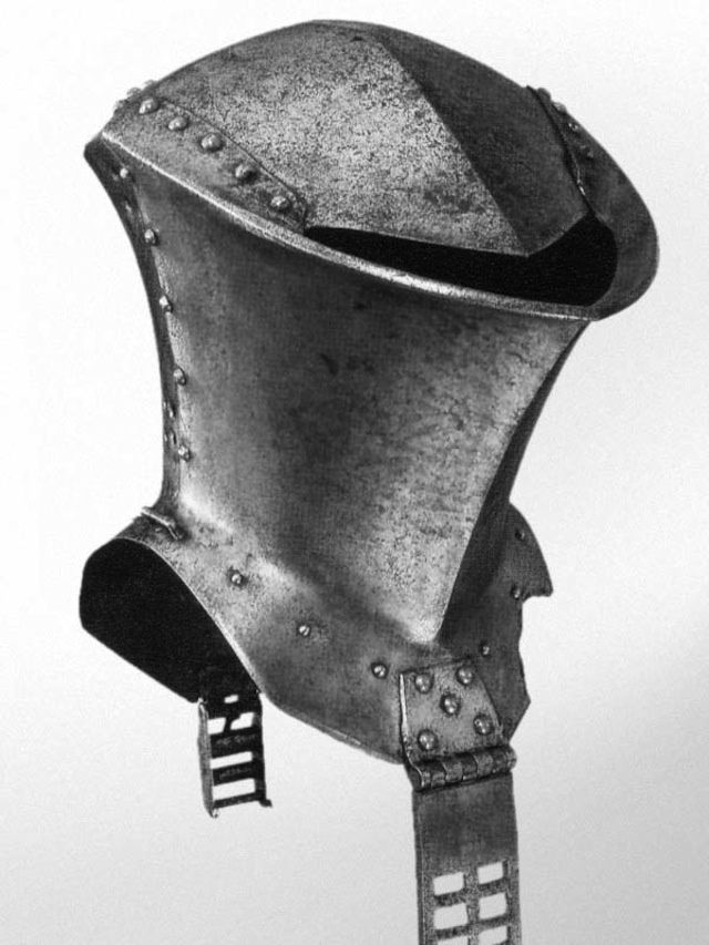 Frog-mouth helm or Stechhelm used by mounted knights between the 14th and 17th centuries.