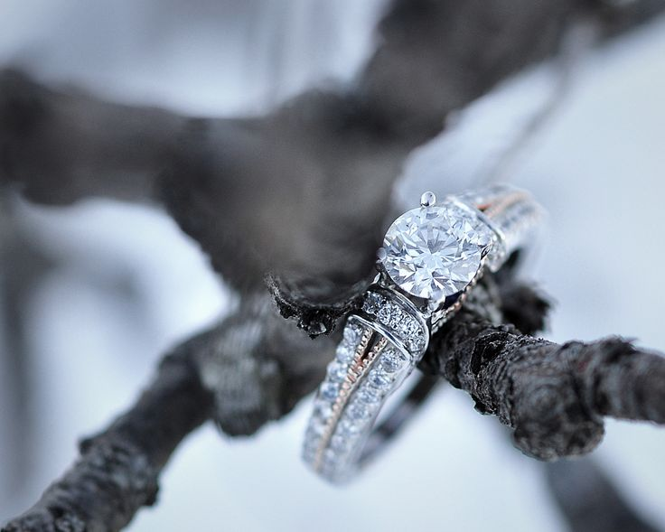 www.kellyharperphotography.ca Engagement photography, engagement photos, engagement pics, couples photography, couples photos, couples pics, engagement photo ideas, couples photo ideas, winter photos, Ottawa photography, Engagement ring, Ring Photos, Diamond ring