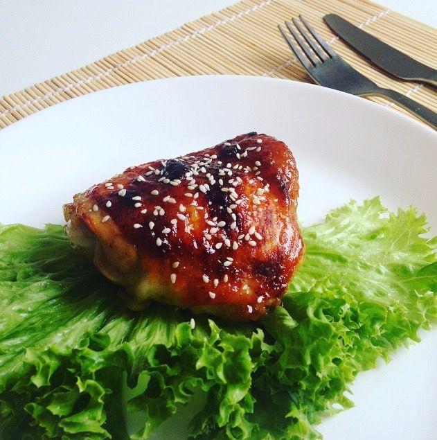 Золотистая курочка с нежным кисло-сладким соусом Сегодня мы приготовим куриное мясо, запеченное в духовке с…