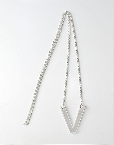 V-necklace http://shop.yalo.fi/product/2102/v-necklace