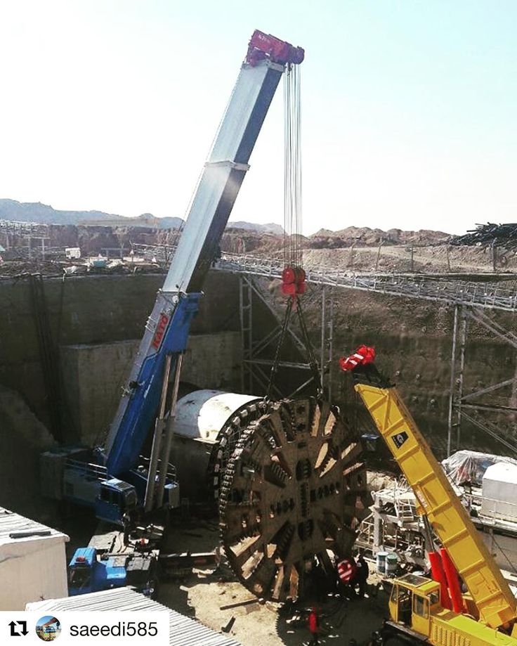 Photo by @saeedi585  Hoisting of a tunneling boring machine's cutter head . #cranepedia #tandemlift #heavylifts #mobilecrane #tbm