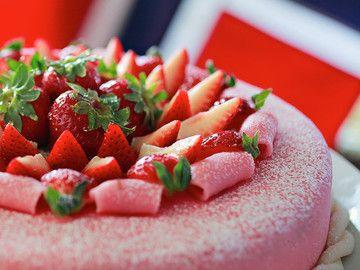 Frisk marsipankake......Fresh marzipan cake