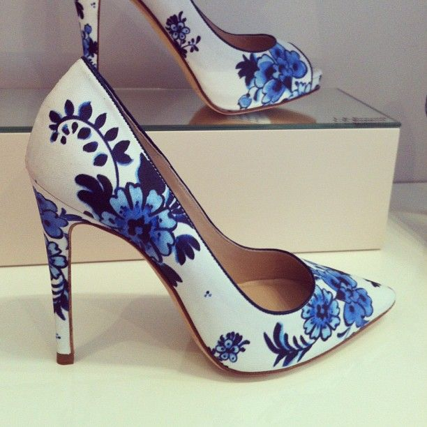Love these floral pumps from @lkbennettuk spring collection. Inspired by antique china patterns. -MG