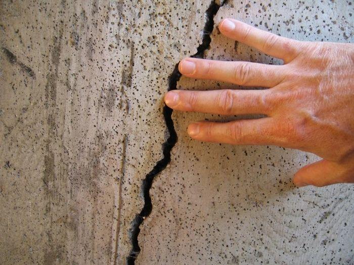 8 fatores que causam rachaduras e fissuras no concreto