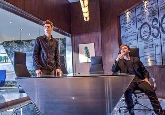 The Amazing Spider-Man 2 - Peter Park and Harry Osborn...I wonder what they are staring at...Peter looks a bit freaked out while Harry stares in amazement...as much as I want it to be, I doubt it is anything to do with the Green Goblin...